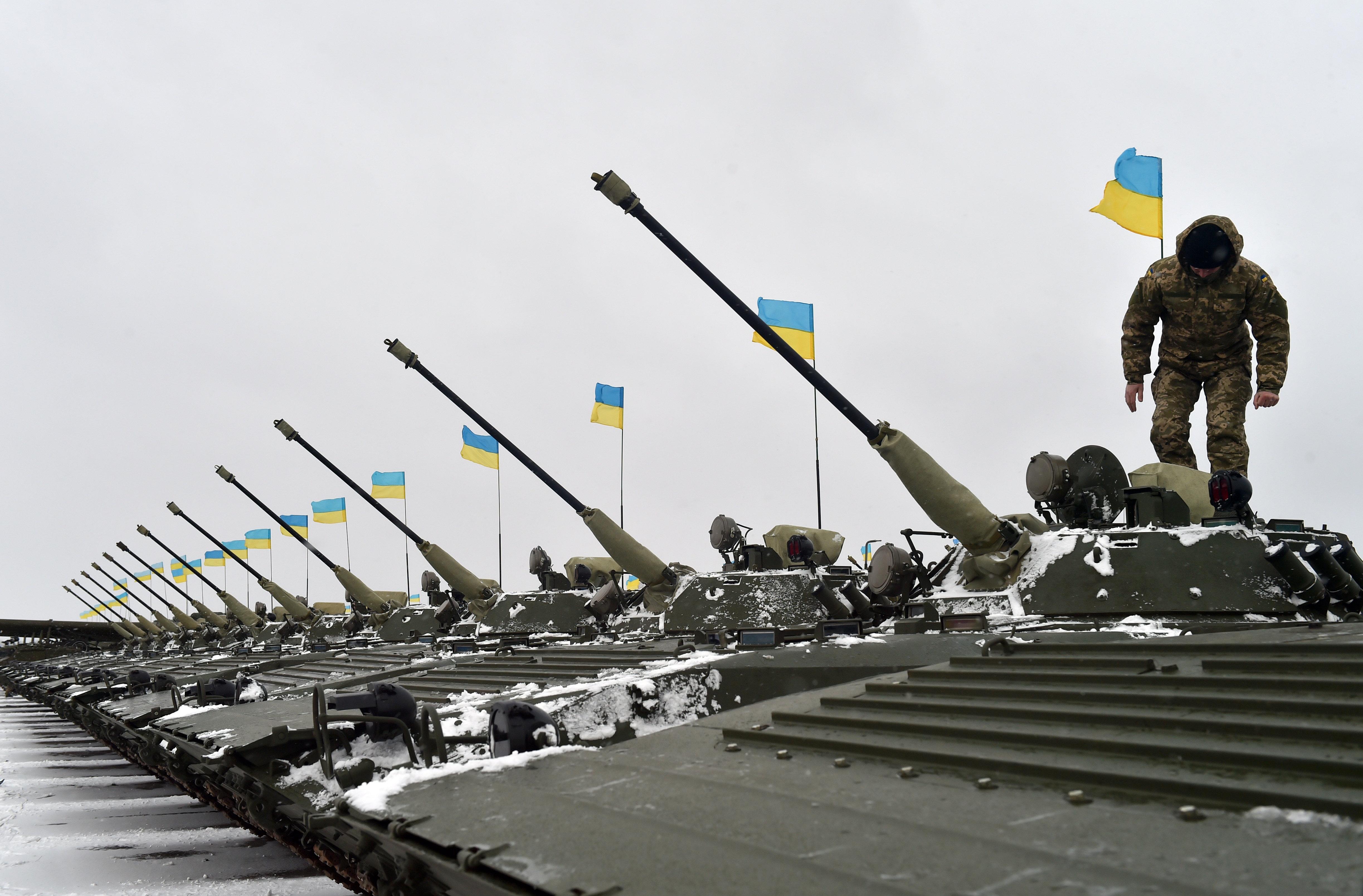 Ukrainische Panzer vor Donezk (Archivfoto)