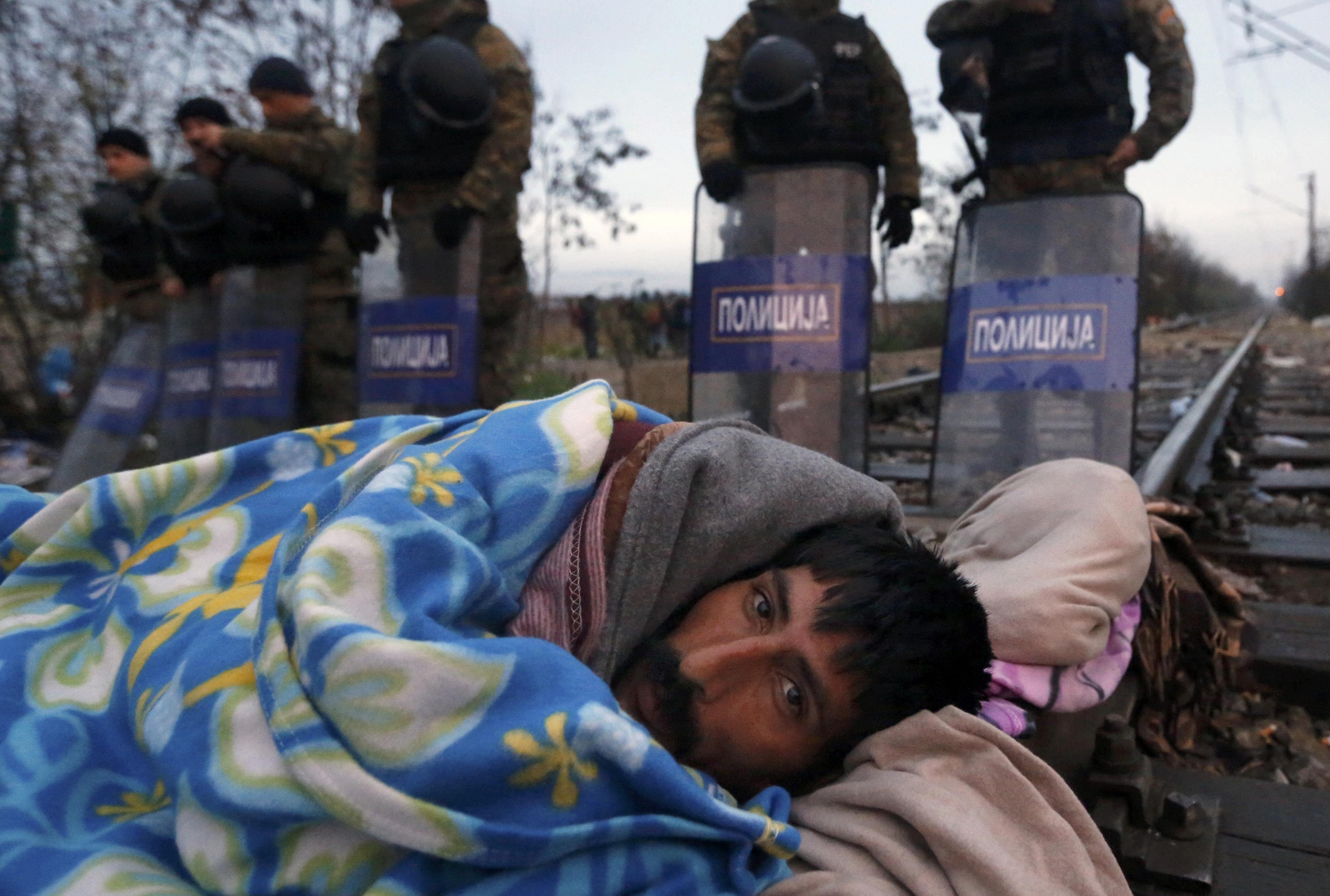 Migranten an der Grenze Mazedonien-Griechenland