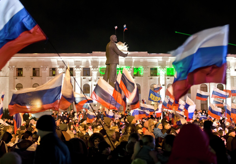 Manifestazione Pro-Russa a Simferopol, Crimea il 16 marzo 2014.